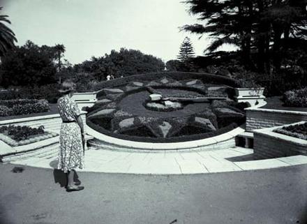 Albert Park Floral Clock.