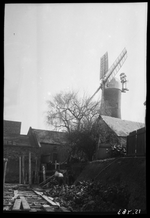 [Partington's Windmill - Grafton]