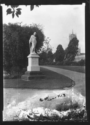 [Female statue in Albert Park]
