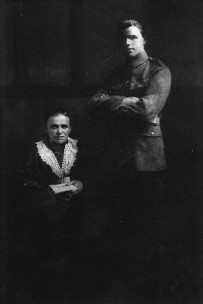 Elizabeth Williams on the left is Andrews mother. Andrew Williams on the right had probably been in the Army only a short while whilst he was still in Christchurch prior to him being posted to Trentham Army Camp to train soldiers due to his medical condition preventing a posting abroad. - This image may be subject to copyright restrictions.