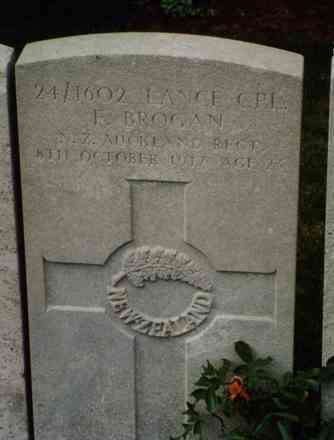 Headstone, Lijssenthoek Military Cemetery (Photo Mr & Mrs R. Brooker, 1998) - No known copyright restrictions