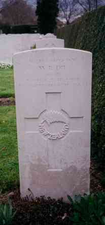 Headstone, Cambridge City Cemetery (Photo Mr G. Graham of Auckland, 1996) - This image may be subject to copyright