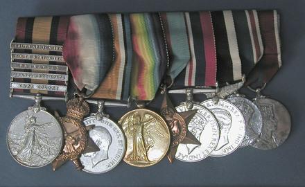 medal set and case